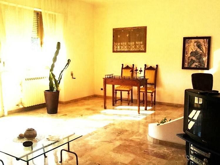 Casa vacanza casarano appartamenti vacanza casa vacanza for Casa al secondo piano