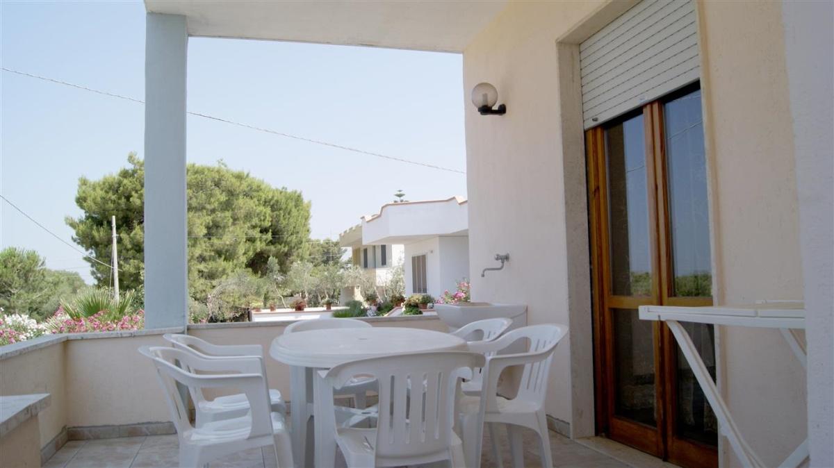 Casa vacanza racale appartamenti vacanza casa vacanze for Appartamenti barcellona vicino al mare