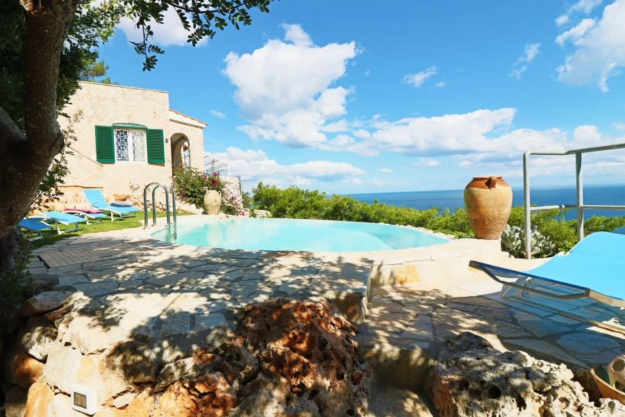 Casa vacanza gagliano del capo ville con piscina casa - Piscina santa maria ...