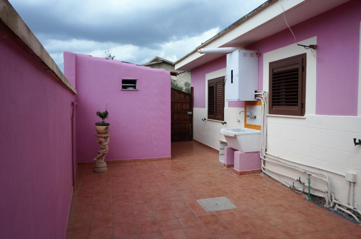 Casa vacanza matino case vacanza casa vacanze a matino all 39 interno di una villa a pochi - Contratto locazione casa vacanze ...
