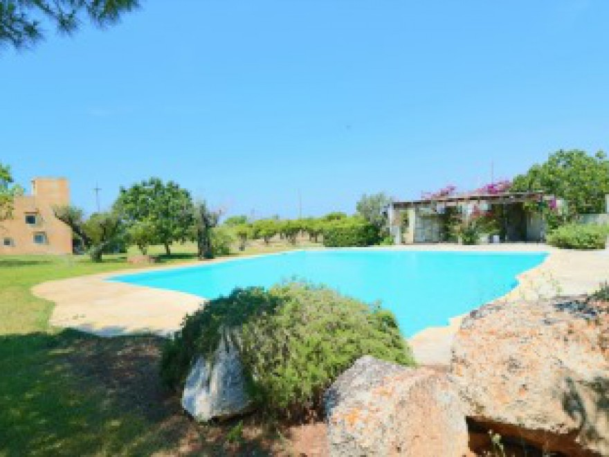 Casa vacanza con piscina in tipico Residance a Gallipoli